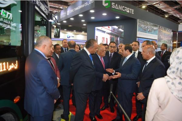 الرئيس السيسي يتفقد جناح الهيئة العربية للتصنيع بمعرض القاهرة الدولي  للإتصالات وتكنولوجيا المعلومات