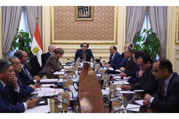 رئيس الوزراء يتابع الموقف التنفيذي لمنظومة المخلفات البلدية الصلبة الجديدة