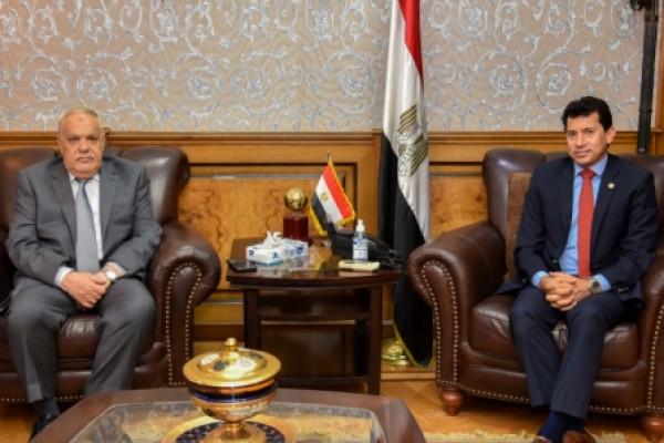وزير الشباب والرياضة يلتقي رئيس الهيئة العربية للتصنيع