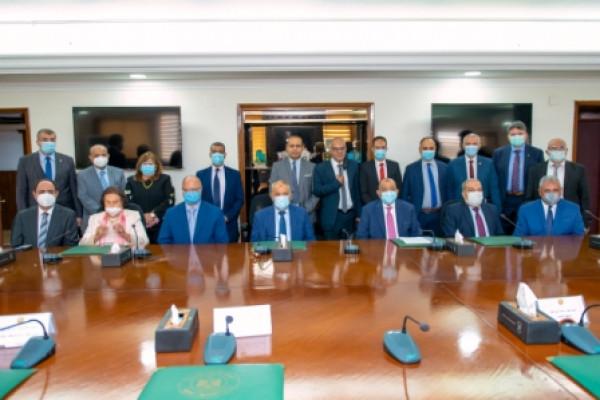 توقيع عقود المنظومة الجديدة للمخلفات لخدمة 18 حى بمحافظة القاهرة